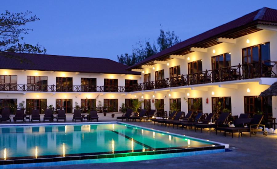 Zanzibar tanzania rejse Amaan Bungalows pool