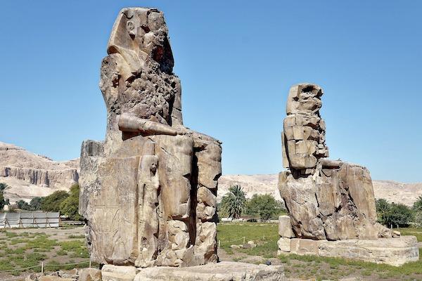 Memnon_Kolosserne_Luxor_Egypten_YounesRejser