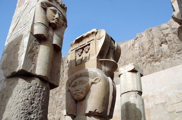 Valley_of_the _queens_deir_el_bahari_Egypt_YounesRejser