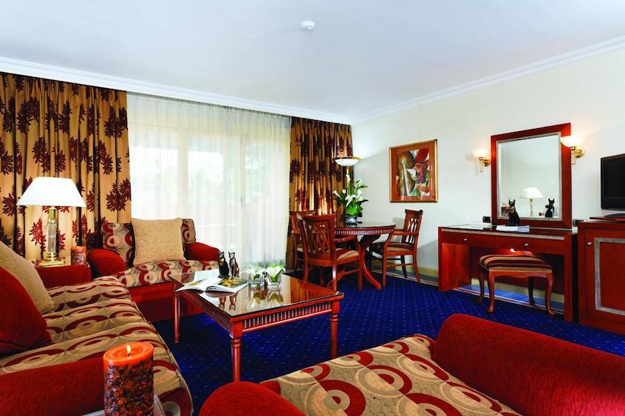 Cairo_Pyramids_Hotel_deluxe