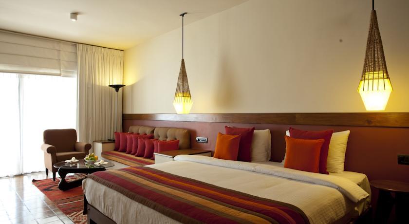 Cinnamon Citadel Kandy Sri Lanka_bed room