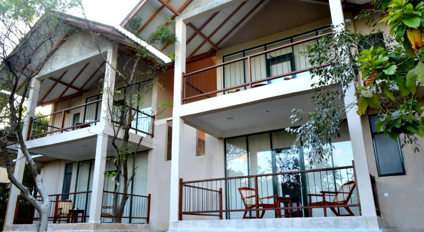 Nice Place Hotel Sigiriya Sri Lanka_out the rooms