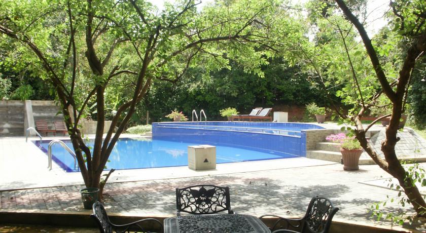 Nice Place Hotel Sigiriya Sri Lanka_pool