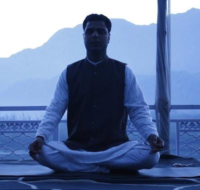 Yoga i Rishikesh (Nordindien)