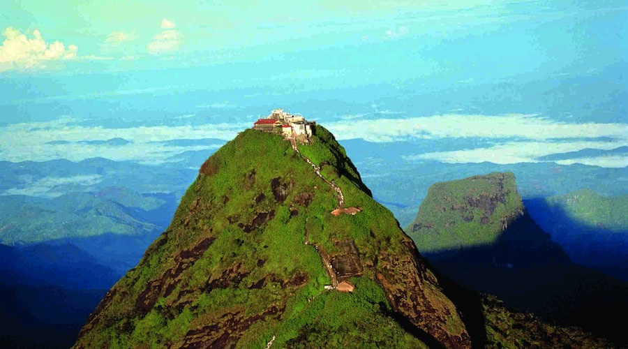 Adam_Peak__Nuwara_Eliya_Sri_Lanka_YounesRejser