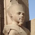 Tut Ankt Amon i Luxor templet