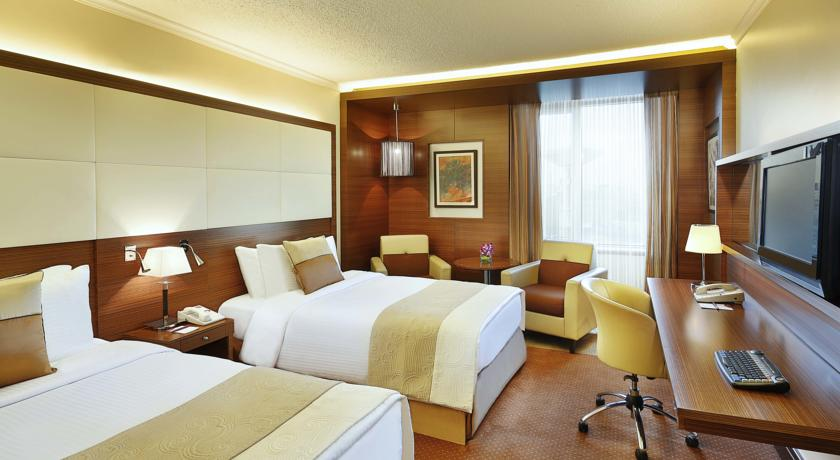Crowne Plaza Amman twin room Jordan