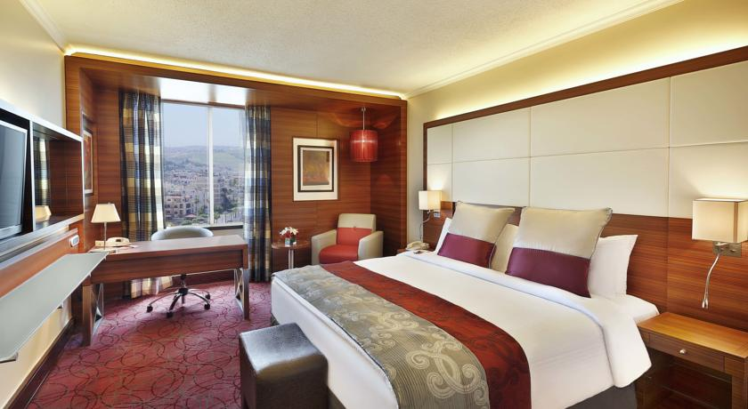 Crowne Plaza Amman queen sz room Jordan