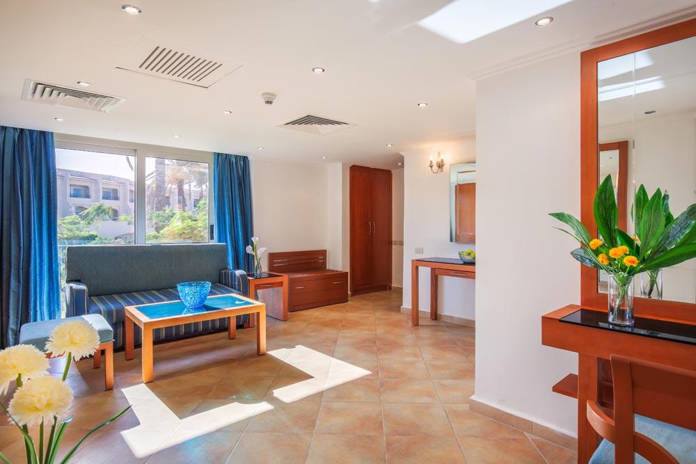 Cleopatra Luxury Resort familyroom badeferie 1 uge hurghada egypten rejs med younes rejser