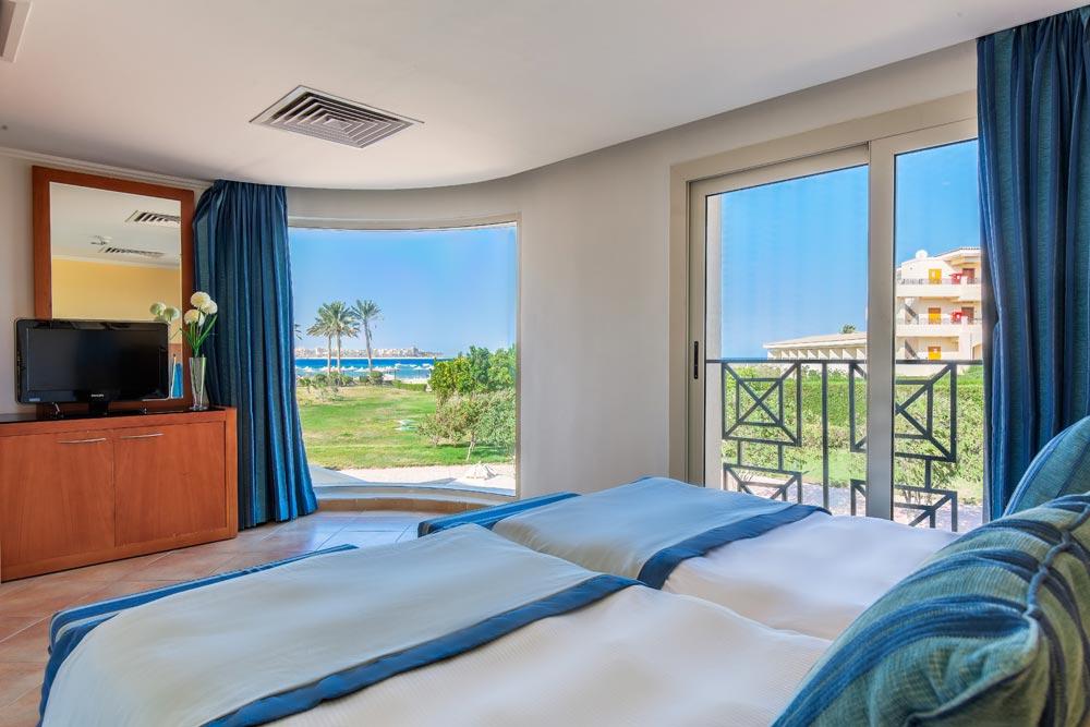 Cleopatra Luxury Resort family bed room badeferie familie hurghada egypten rejs med younes rejser