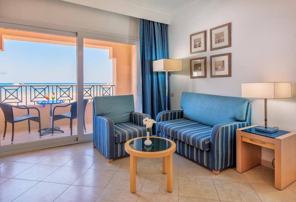 1 uges badeferie Cleopatra Luxury Resort junior suite hurghada egypten rejs med younes rejser