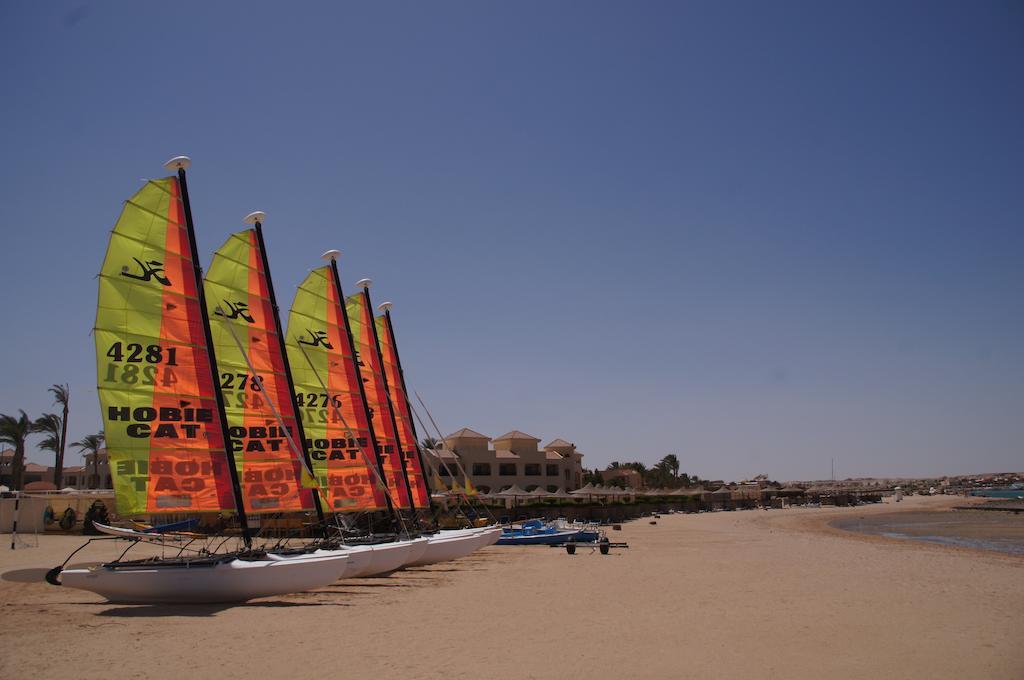 Cleopatra Luxury Resort watersports beach badeferie hurghada egypten rejs med younes rejser