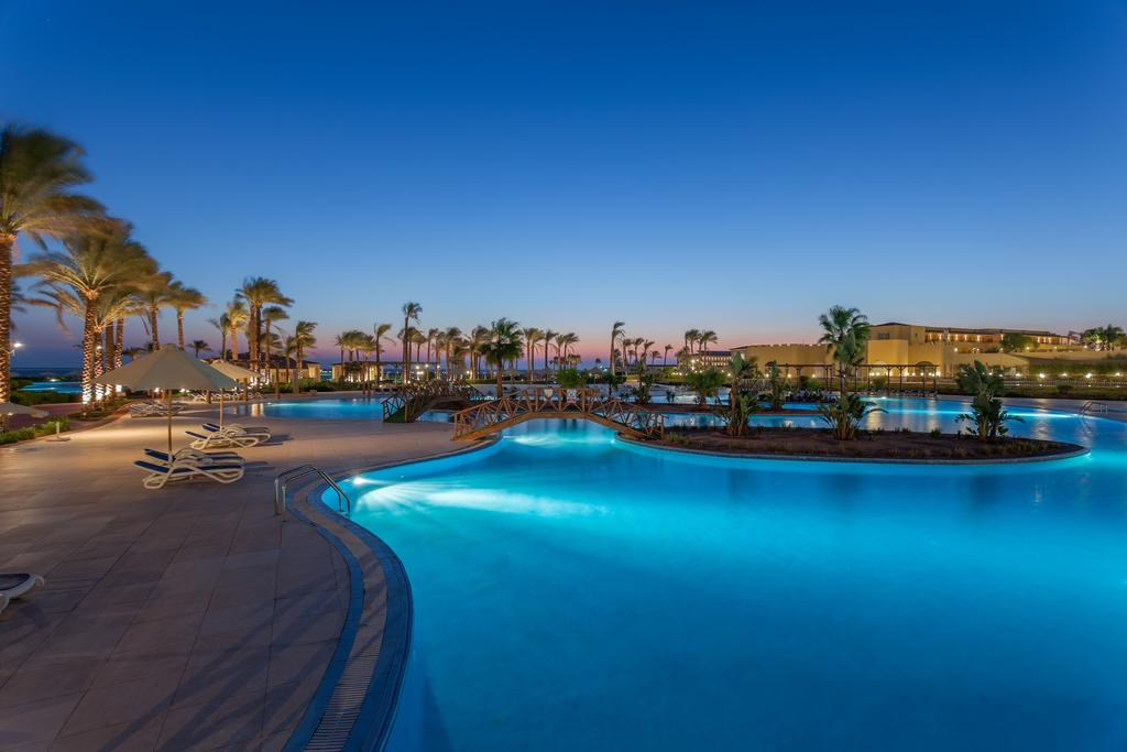 Cleopatra Luxury pool solnedgang hurghada egypten rejs med younes rejser
