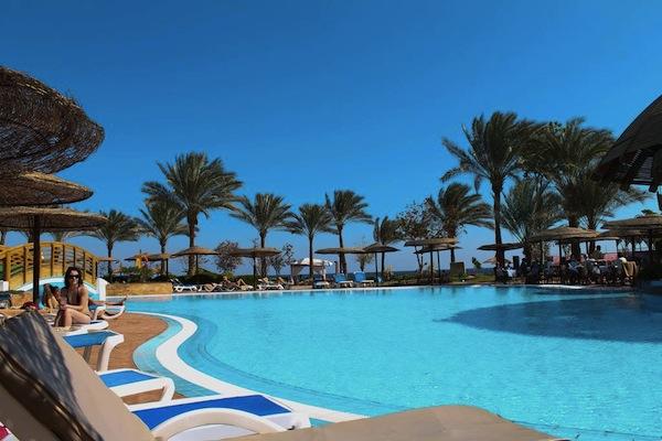 Royal Grand Sharm Resort pool and sun area badeferie sharm el sheik egypten rejs med younes rejser