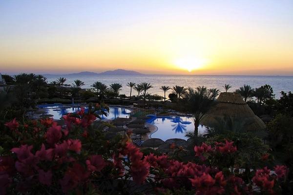 Royal Grand Sharm Resort evening view area ferie sharm el sheik egypten rejs med younes rejser