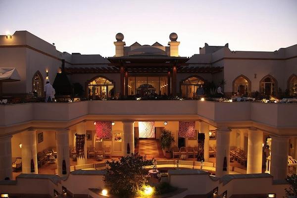 Royal Grand Sharm Resort beautiful terrasse dining area badeferie sharm el sheik egypten rejs med younes rejser