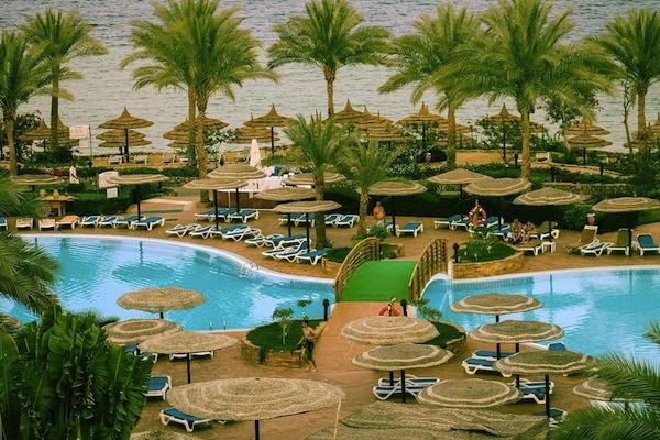 Royal Grand Sharm garden & pool area badeferie sharm el sheik egypten rejs med younes rejser