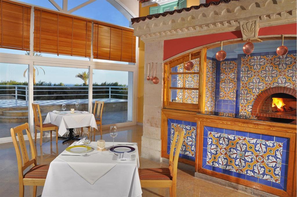 Sheraton Sharm Hotel resort villas dinner sharm el sheik egypten rejs med younes rejser