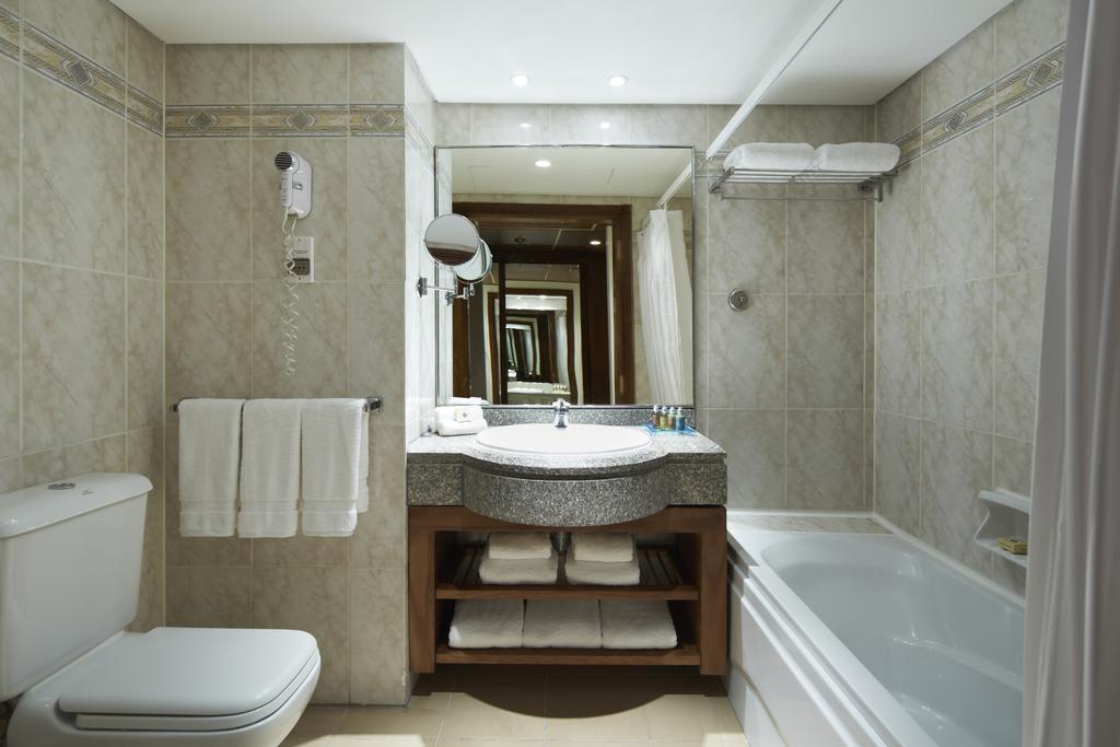 Marriott Red Sea Beach Resort Hurghada bathroom