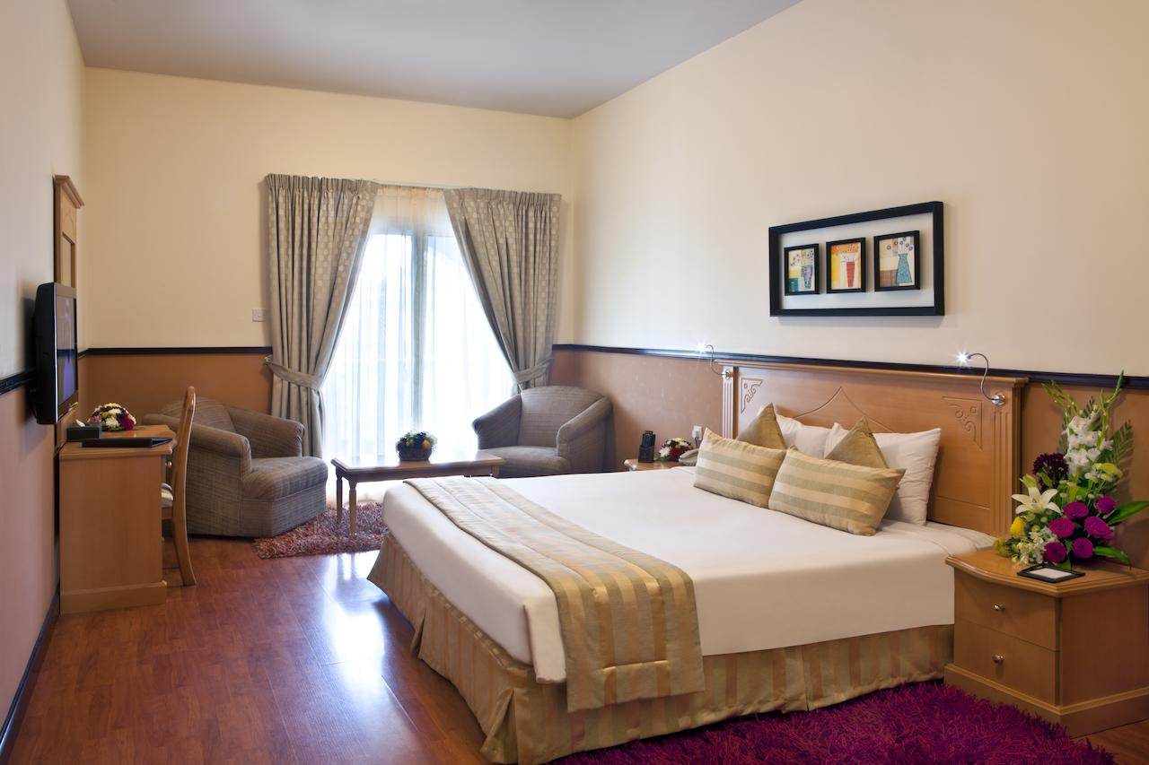 Landmark Plaza Hotel Dubai queen room