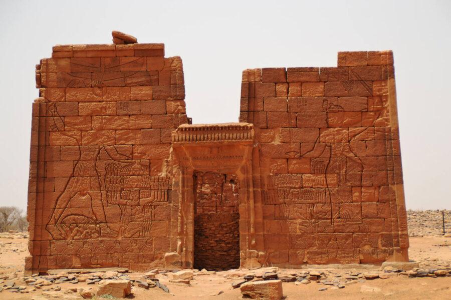 Sudan - temple ruin - Younes Rejser